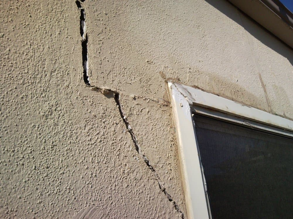 cracks on stucco walls edmonton