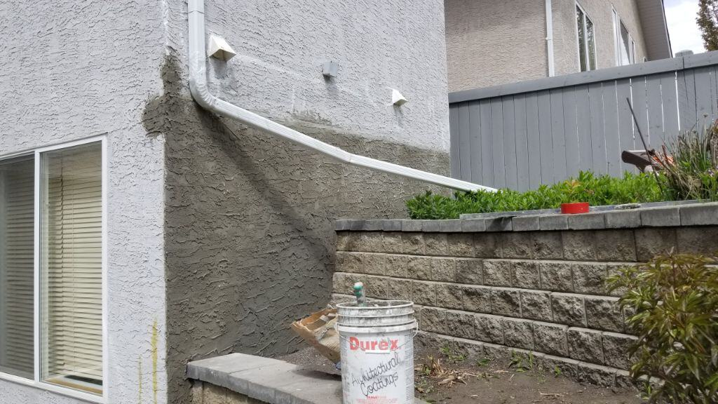 stucco cracks repair